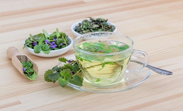naturalna herbata oczyszczająca organizm ludzki